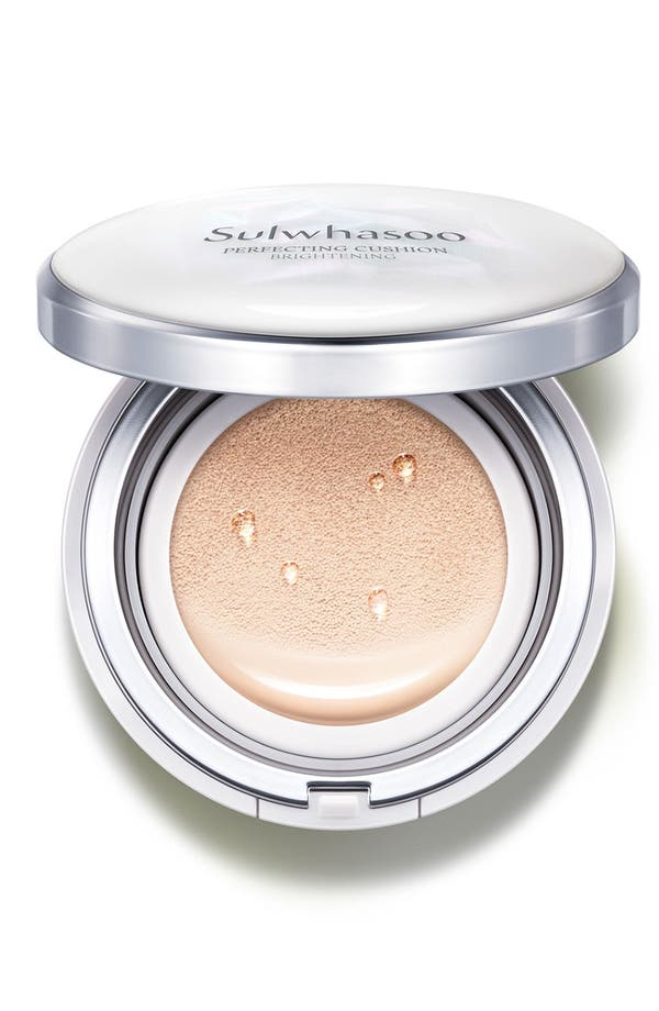 Perfecting Cushion Brightening Foundation,                         Main,                         color, 17 Light Beige