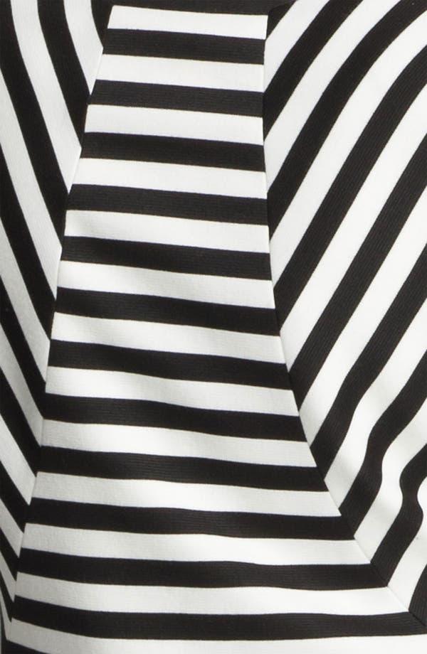Alternate Image 3  - Robbi & Nikki Op-Art Stripe Blazer
