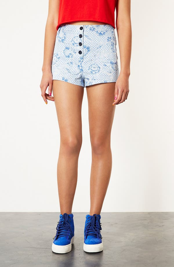 Alternate Image 1 Selected - Topshop Checkerboard Shorts