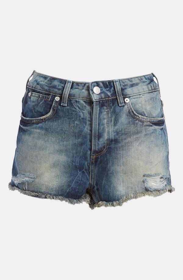 Main Image - Topshop Moto 'Ruthie' Denim Shorts (Petite)