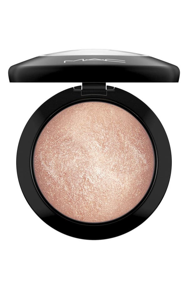 MAC Mineralize Skinfinish,                         Main,                         color, Soft & Gentle