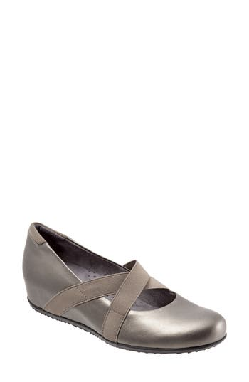 SoftWalk? Waverly Mary Jane Wedge (Women)