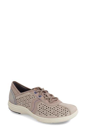 Aravon 'Betty' Sneaker (Women)