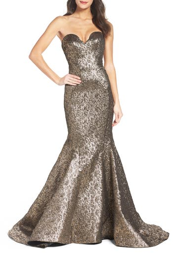 Mac Duggal Lamé Mermaid Gown