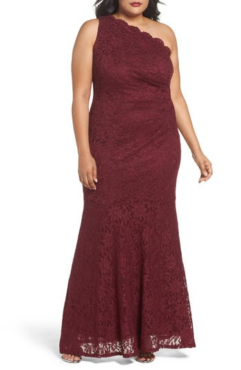 DECODE 1.8 One Shoulder Glitter Lace Gown (Plus Size)