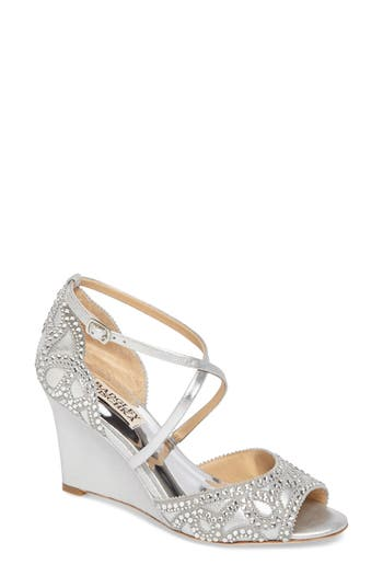 Badgley Mischka Winter Str..
