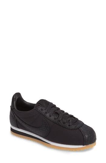 Nike Classic Cortez SE Sneaker (Women)