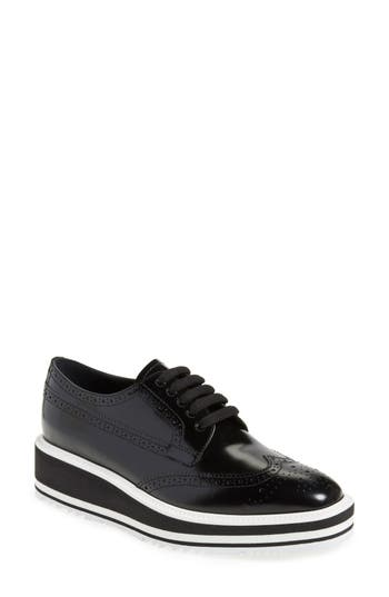 Prada Winged Oxford (Women)