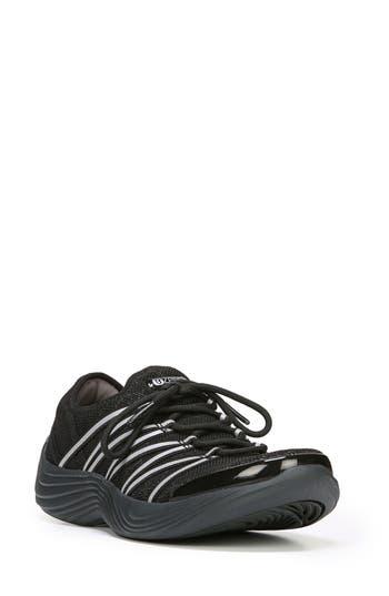 BZees Tender Sneaker (Wome..
