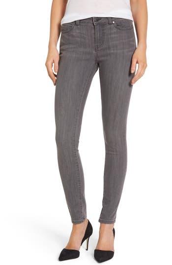 Caslon® Stretch Skinny Jeans (Regular & Petite)
