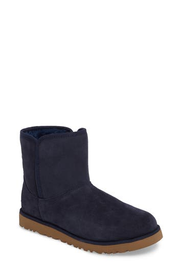 UGG? 'Cory' Short Boot (Wo..