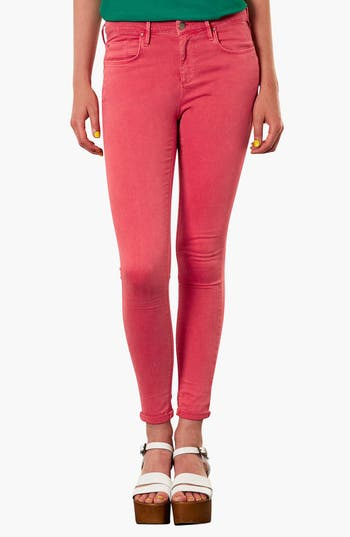 Main Image - Topshop Moto 'Leigh' Skinny Jeans (Red)