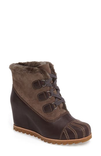 UGG? Alasdair Waterproof Wedge Bootie (Women)