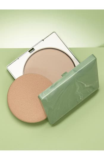 Alternate Image 2  - Clinique Stay-Matte Sheer Pressed Powder Oil-Free