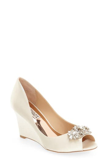 Badgley Mischka 'Dara' Cry..