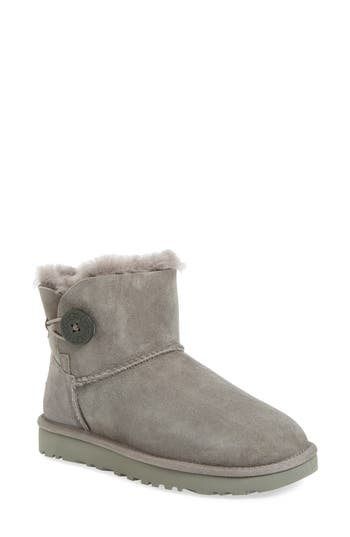 UGG? 'Mini Bailey Button II' B..