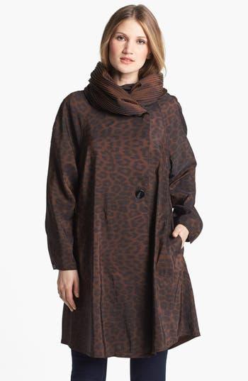Mycra Pac Designer Wear Reversible Leopard Pleat Hood