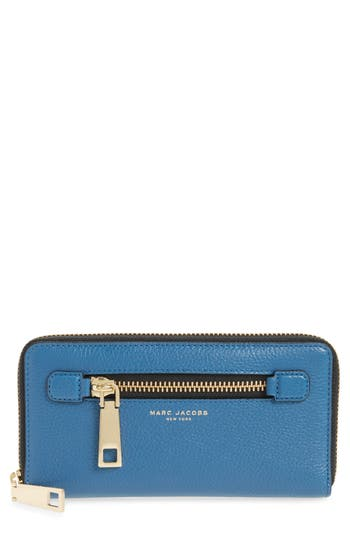 MARC JACOBS Vertical Zippy..