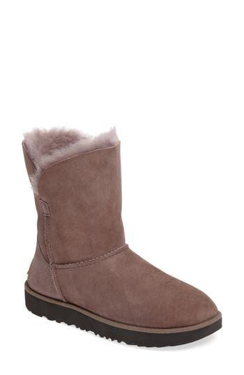 UGG? Classic Cuff Short Boot (..