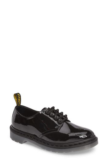 Dr. Martens Smiths Studded Oxford (Women)