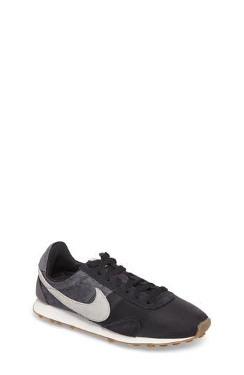 Nike Pre Montreal Racer Sneaker (Women)