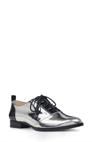Nine West Hyida Lace-Up Ox..