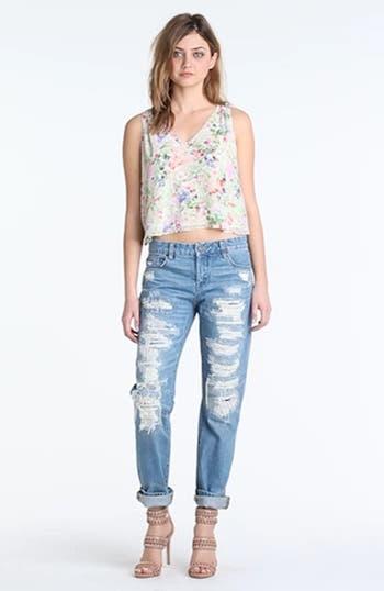 Destroyed Boyfriend Jeans, video thumbnail