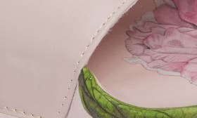 Palace Gardens Print Fabric swatch image