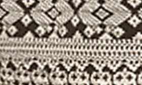 Cream/ Back Textured Diamonds swatch image