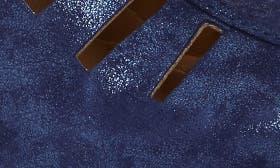 Pea Coat Navy Leather swatch image