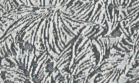 Ivory/ Laurel swatch image