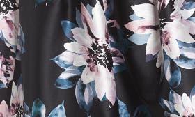 Black Blush swatch image