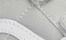 Glacier Gray/ True White swatch image