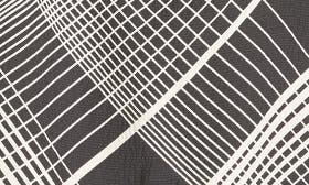 Black/ White Plaid swatch image