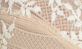 Naturally Nude / Ivory swatch image