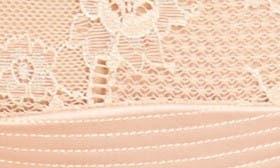 Creme Caramel swatch image