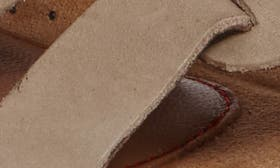 Light Khaki Leather swatch image