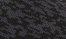 Core Black/ White swatch image