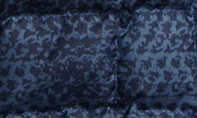 Cosmic Blue Chain swatch image