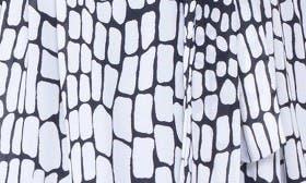 Black/ White swatch image