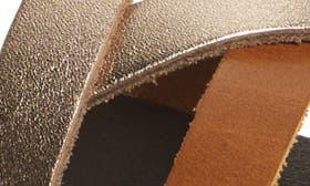 Sahara/ Bubbly Leather swatch image