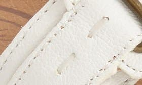 Antique White Leather swatch image