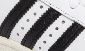 White/ Black swatch image