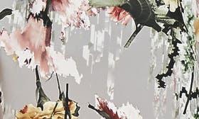 Romantic Bouquet swatch image