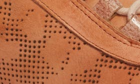 Apricot Leather swatch image