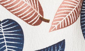 Leaf Print swatch image