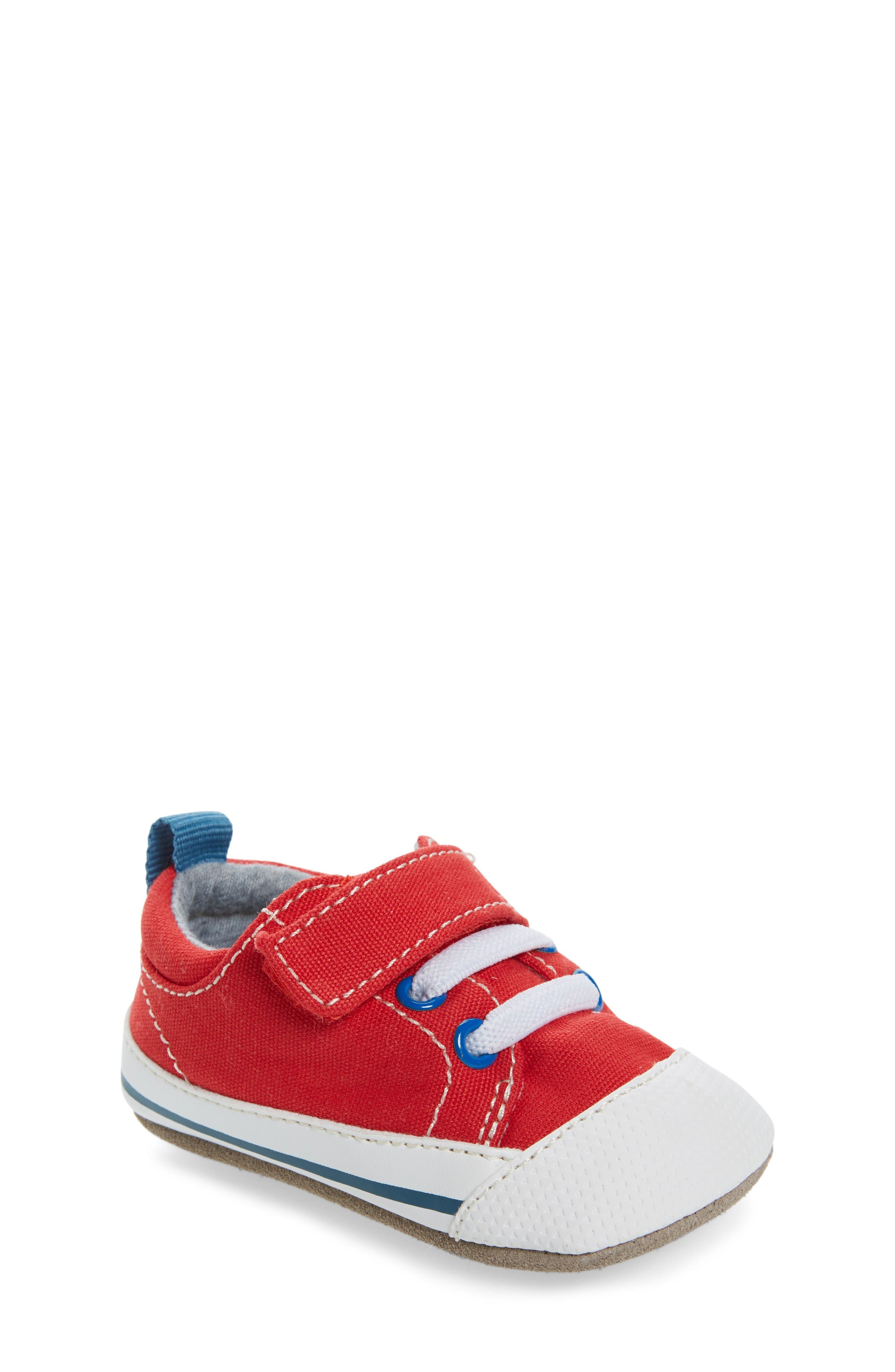 See Kai Run Stevie II Crib Sneaker (Baby)
