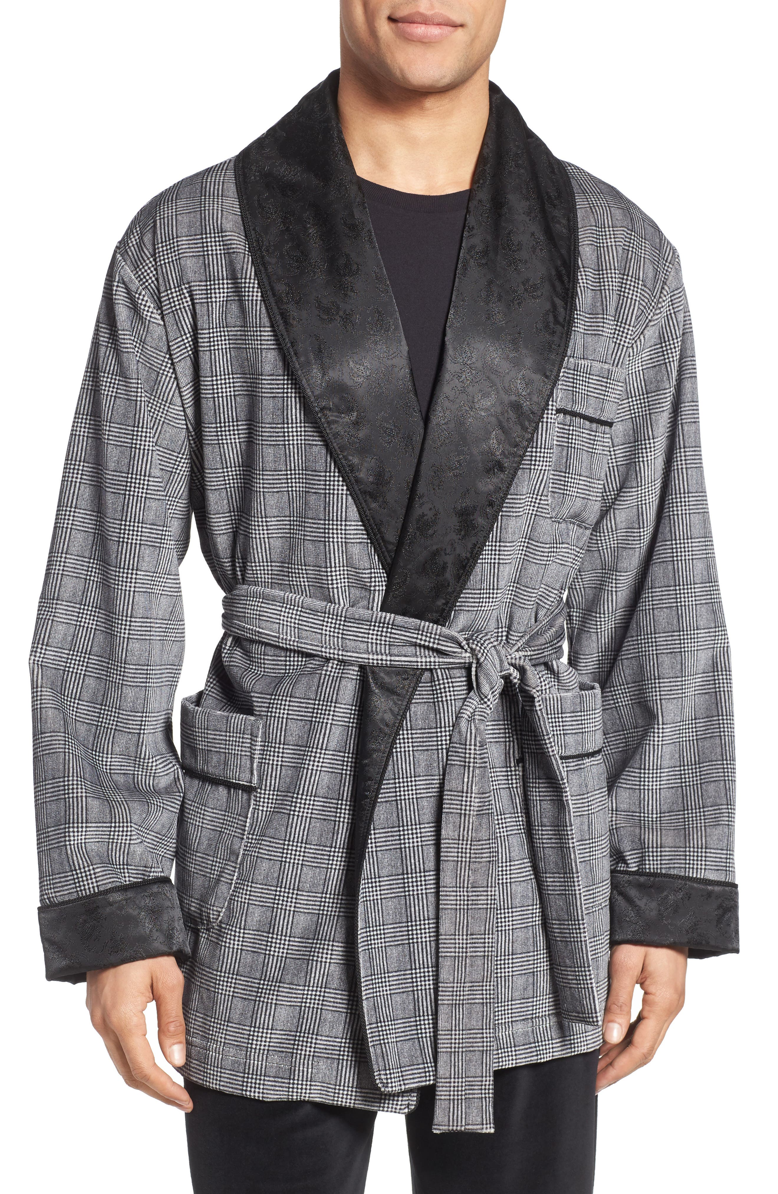 MAJESTIC INTERNATIONAL Leading Man Smoking Jacket