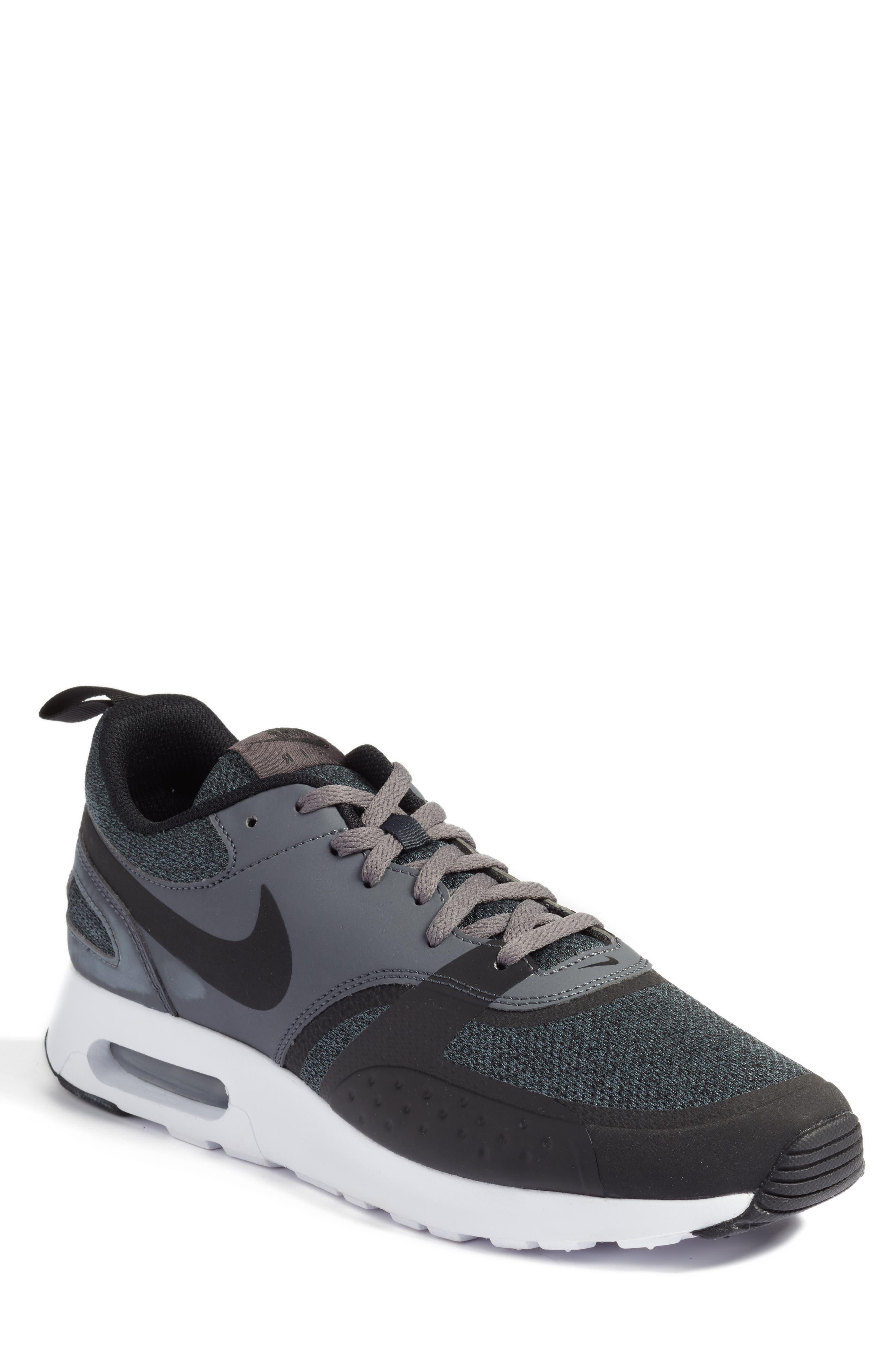 NIKE Air Max Vision SE Sneaker