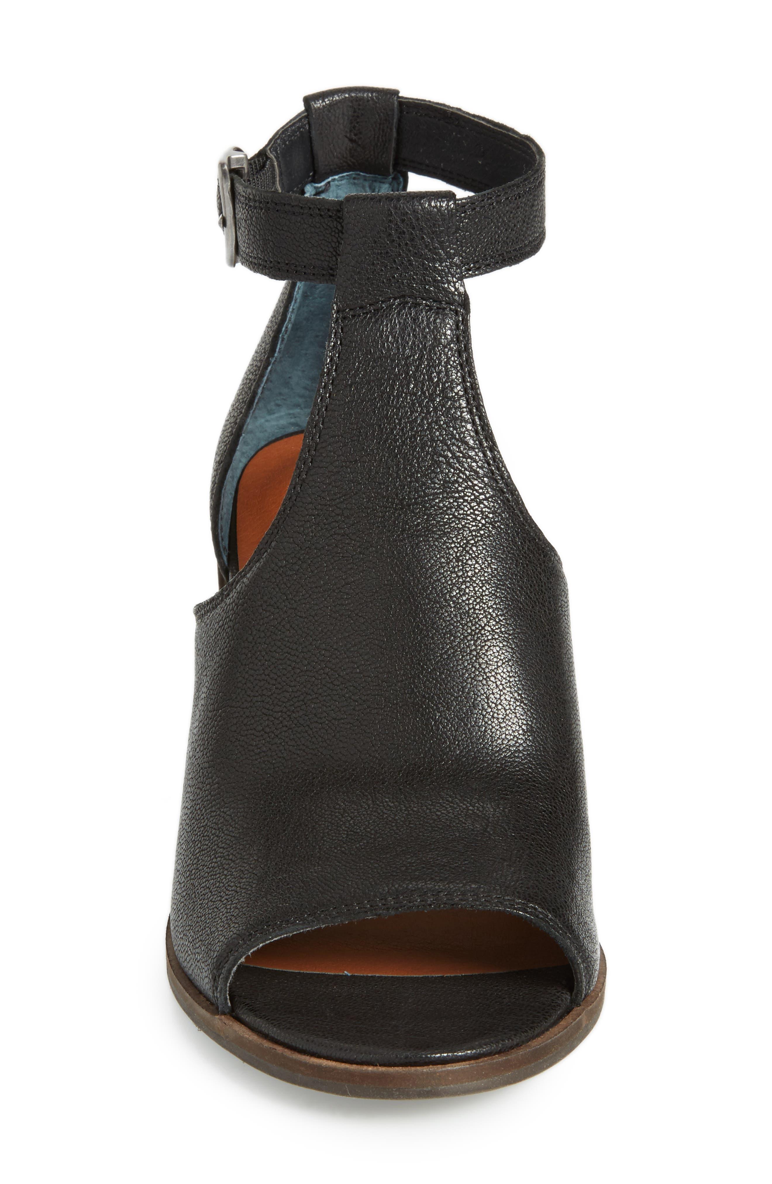 Kadian Block Heel Sandal,                             Alternate thumbnail 4, color,                             Black Leather